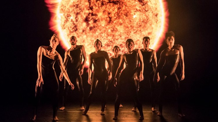 Digital Stage: Alexander Whitley Dance Company - 8 Minutes