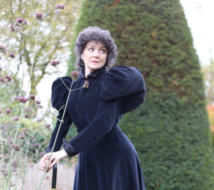 C'est La Vie - Sarah Bernhardt And Me