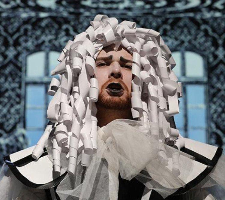 i: the Opera