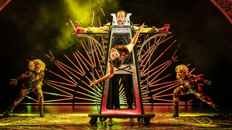 Magic Goes Wrong Tickets London Theatre