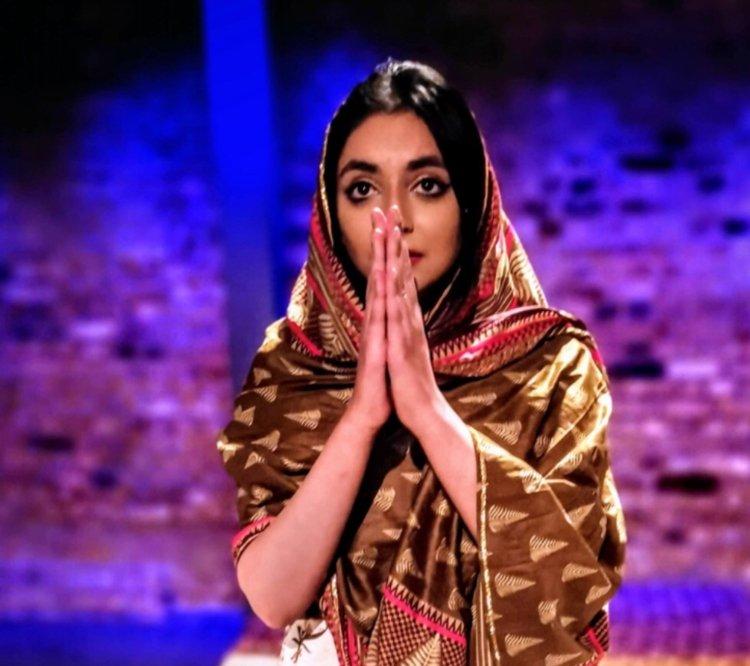 Om Shanti F*ck & Doll Face
