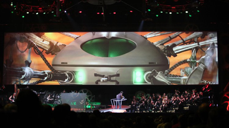 The Shows Must Go On: The War of The Worlds